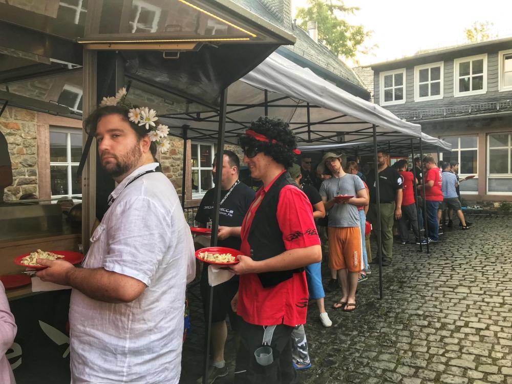 DRUCKWELLE Burg 2018 Foodtruck line