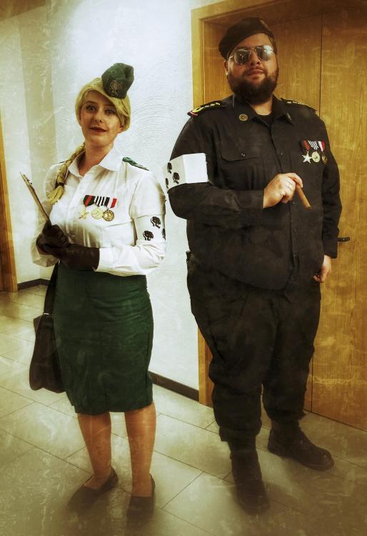 DRUCKWELLE Burg 2018 General Blue & Fräulein 0815